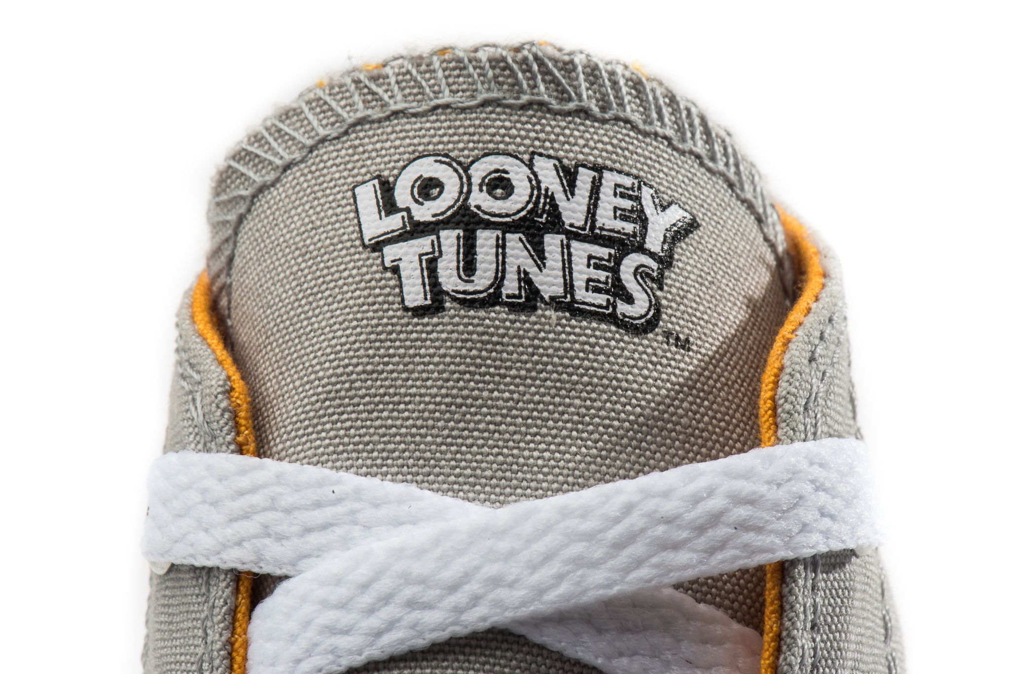 f894fe249b9 Looney Tunes Converse Shoes. Recently I made an assignment to photograph  some new products other than guitars so I decided to photograph some new  shoes my ...
